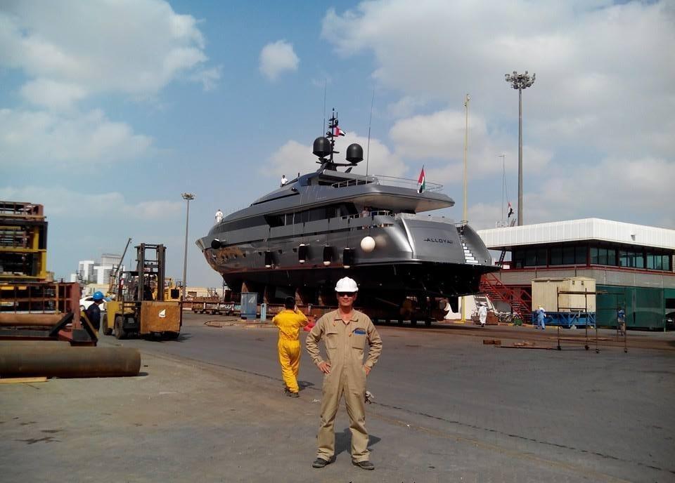 hình ảnh anh em lao động làm việc tại seven seaship dubai 2
