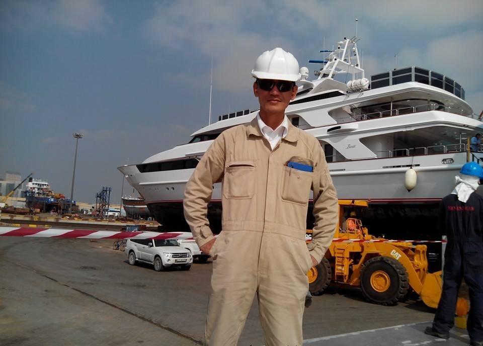 hình ảnh anh em lao động làm việc tại seven seaship dubai 1