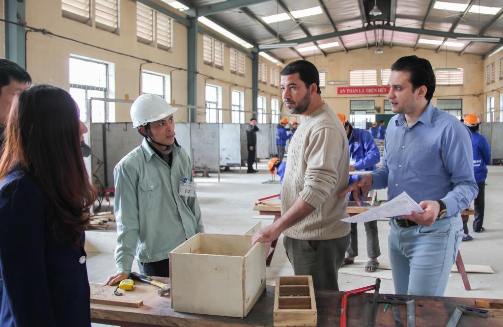 Hình ảnh thi tuyển mộc,sắt, hàn, xây trát ốp lát cho A.S.Alsayed 4